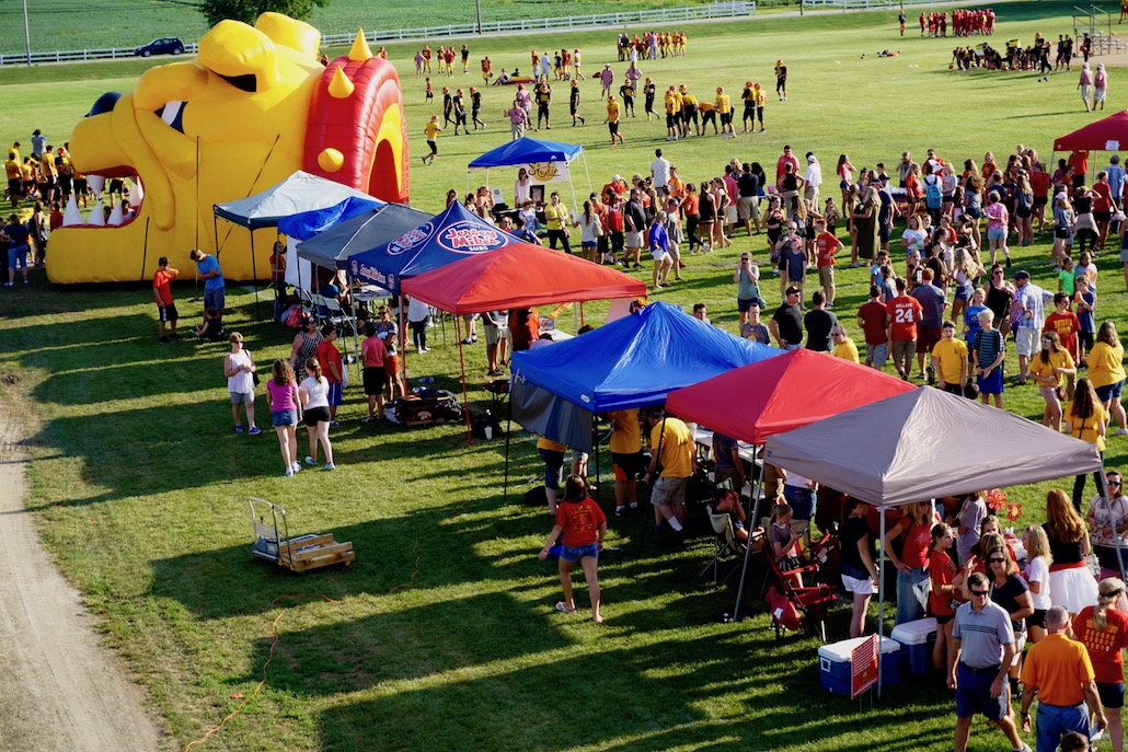 "<h1><strong>Corn Boil 2017</strong></h1> <p>The annual Corn Boil at Batavia High School is set for Fri., Aug. 18 from 5-7 p.m. This wonderful community event brings families together for great food, spirit wear, performances by the BHS Marching Band, Cheer Teams, and Dance Teams, and more.<br />  <br /> <strong><a href=""https://www.bps101.net/news/corn-boil-2017"">Details ></a></strong></p>"